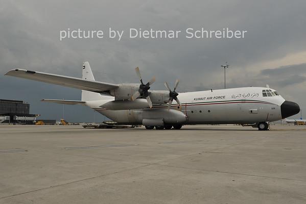 2011-06-30 KAF325 C130 Hercules Kuwait Air Force