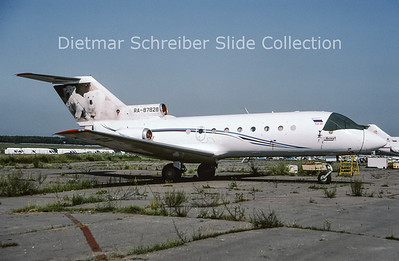 2009-07 RA-87828 Yakovlev 40 (c/n 9242024) Rusjet