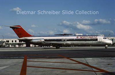 1988-10 N945N Douglas DC9-32 (c/n 47664) Northwest Airlines