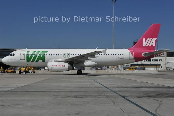 2011-07-12 LZ-MDB Airbus A320 AIr Via