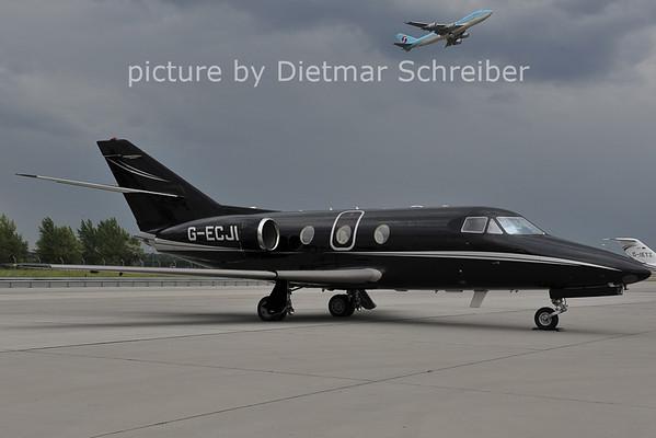 2011-07-11 G-ECJI Falcon 10