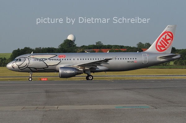 2012-05-30 OE-LEC Airbus A320 Flyniki