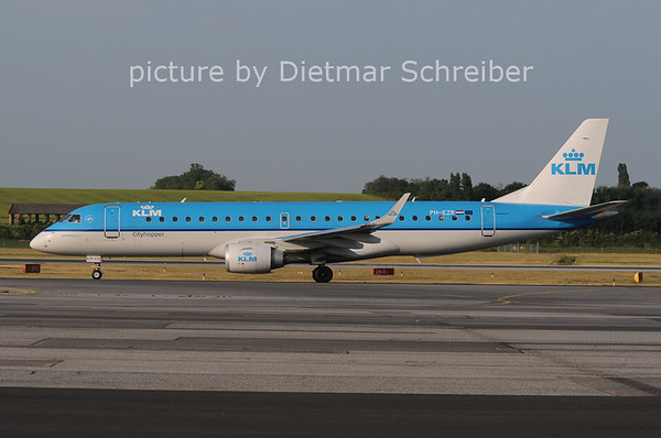 2012-05-30 EPH-EZR Embraer 190 KLM Cityhopper