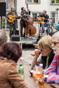 18.05.2019 Turmrede von Patti Basler in Olten  Die Turmrede zum Auftakt der diesjährigen Kabarett-Tage wurde dieses Jahr von der bekannten Fricktalerin Patti Basler vorgetragen. Die musikalische Unterhaltung kam von Les Singes – Gypsy Jazz Trio.