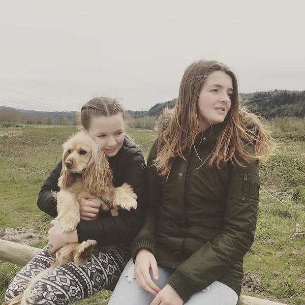 Eleni and Dani with Szandi