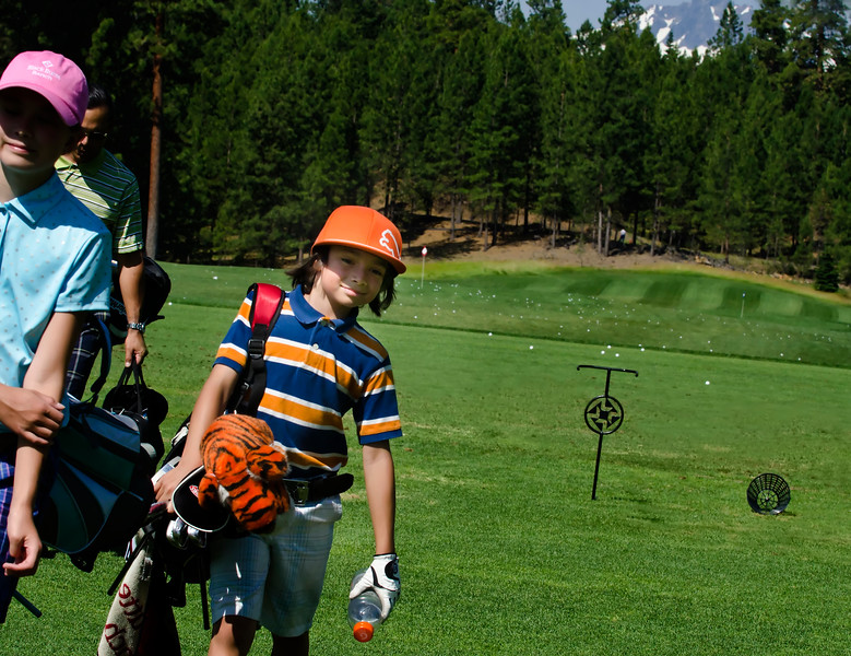 BlackButteRanch-golf__Glaze-Meadow-range-kids_KateThomasKeown_DSC9672