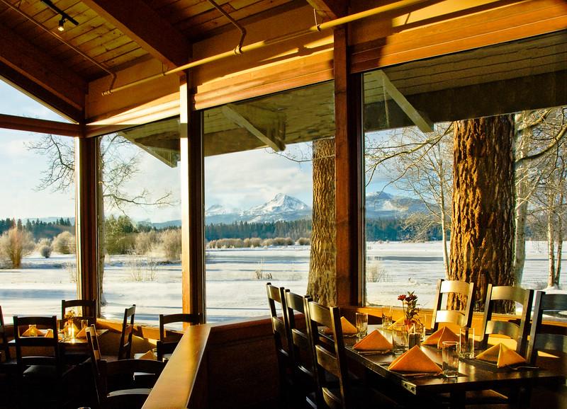 dining_black-butte-ranch_Lodge-Restaurant_winter-view_KateThomasKeown_DSC6467