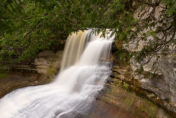 Laughing Whitefish Falls [Upper Plunge]