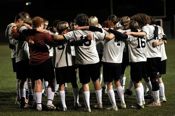 3 6 12 Boys V Soccer 833