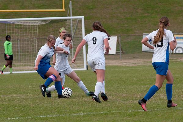 2 12 18 UL Girls Soccer ab 305