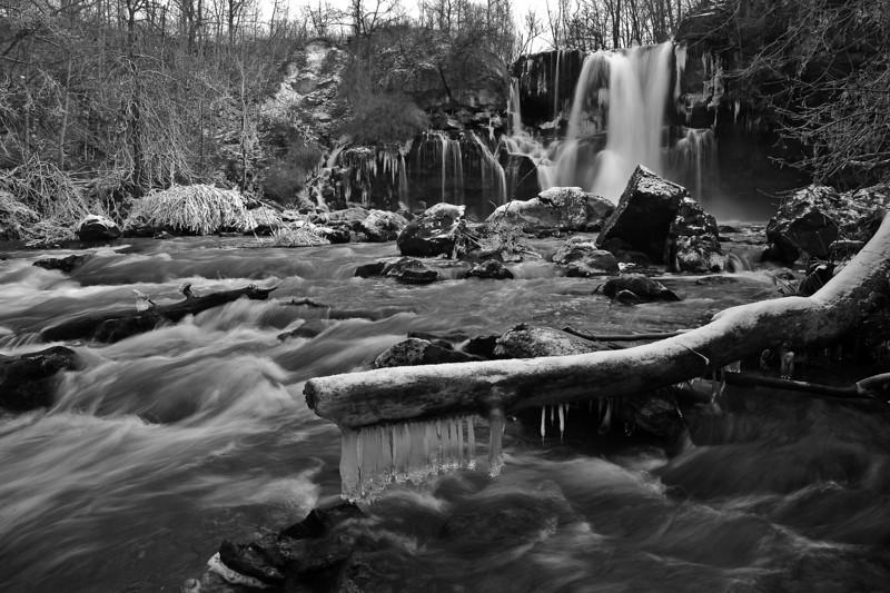 Akron Falls 121811 37 bw DSC_6692