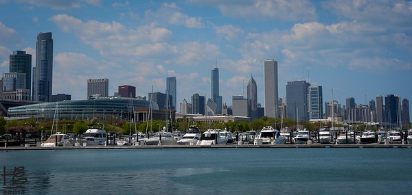 05-18-14 Panoramic View of Chicago walking back along the shoreline from McCormick Place.  In this capture the yachts are emphasized in the foreground.