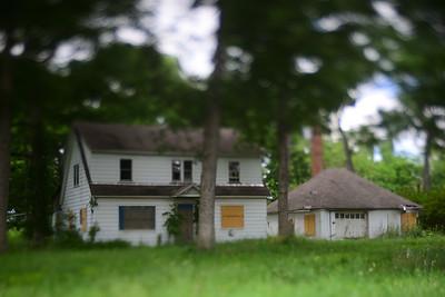 Abandoned Homes & Motel---near Gettysburg, PA