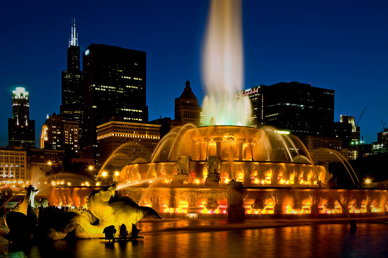 CHI 027                         <br /> Buckingham Fountain lights up the night on a summer evening on Chicago's lakefront.