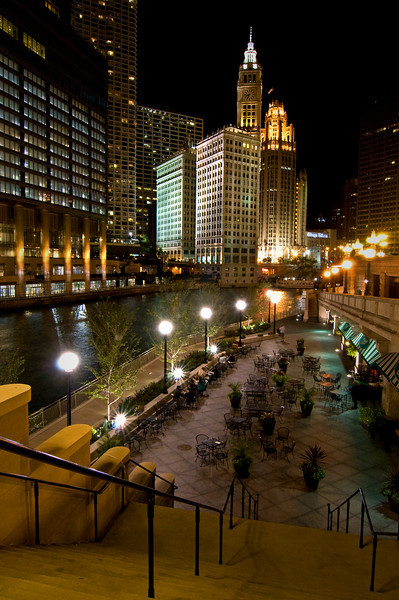 CHI 011                        <br />  A quaint bistro on the Chicago River in downtown Chicago, Illinois.