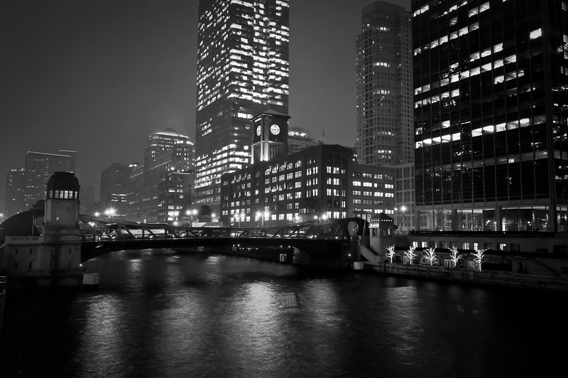 CHI 048<br /> A cold, blustery night on the Chicago River, downtown Chicago, Illinois.