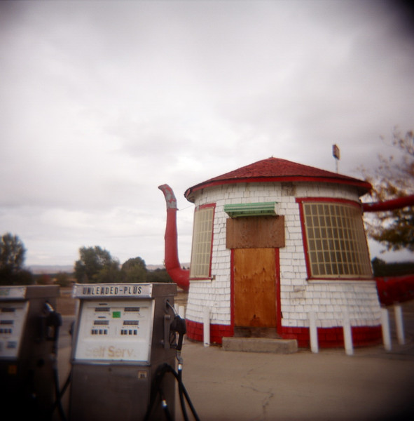 Zillah, Washington - Tea Pot Dome Gas Station