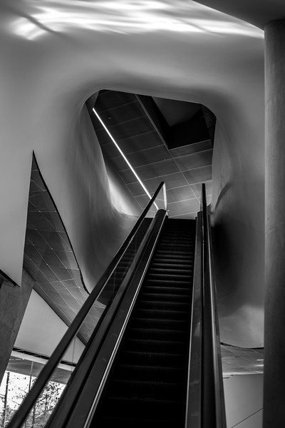 Ross Perot Museum of Nature & Science in Dallas, TX - Photo by Randy Stewart - www.NoPhotosAllowed.com