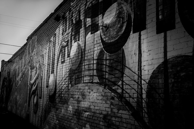 Deep Ellum Outdoor Murals - Dallas, TX - Photo by Randy Stewart - www.NoPhotosAllowed.com