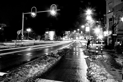 Velpersingel by Night - Stoplicht groen BW