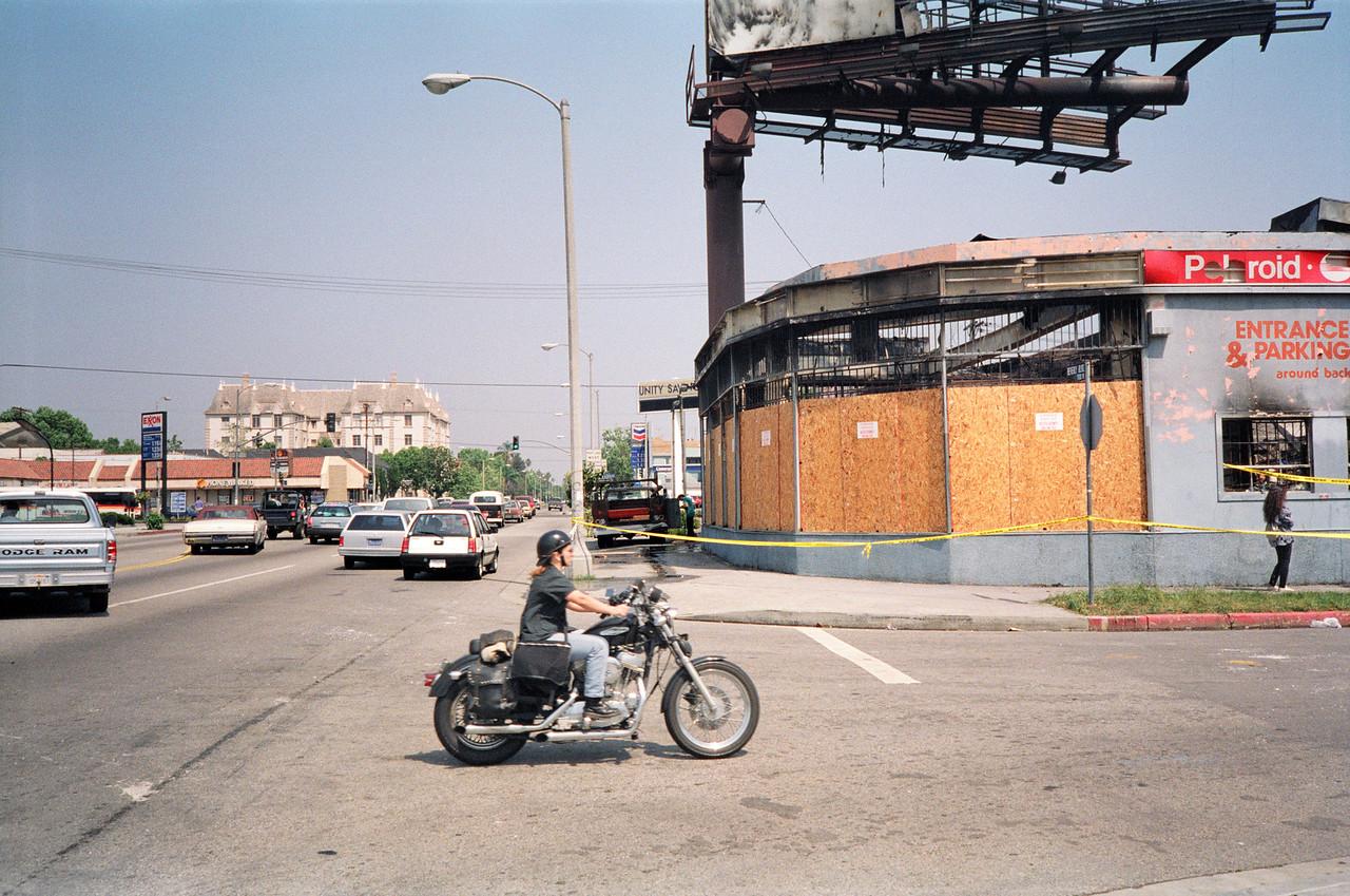 1992 Los Angeles Riot Damage - 20 of 34