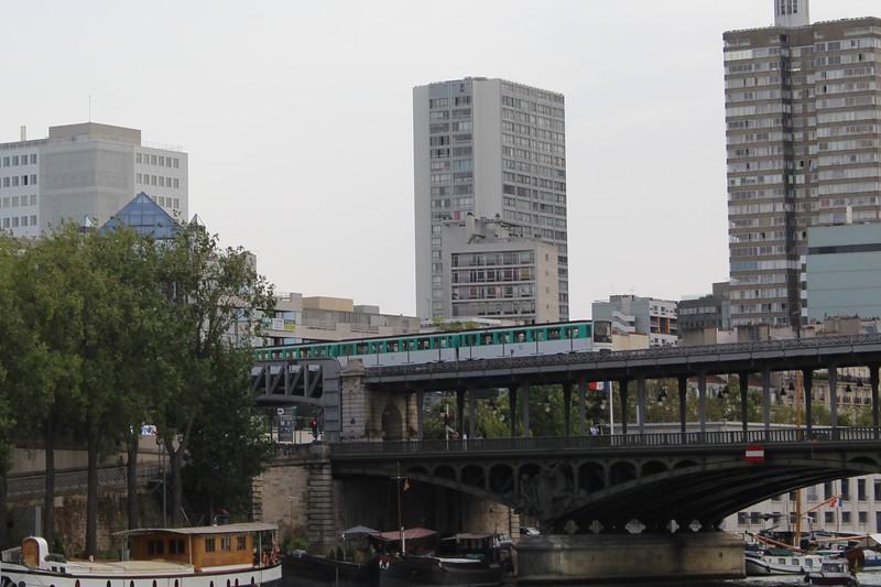 RATP Paris Metro Line 6 train crossing the Pont de Bir-Hakeim
