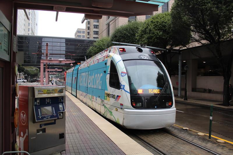 METRORail Red Line Main Street Square Station