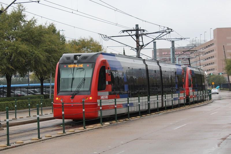 METRORail Siemens S70 Avanto LRV set No. 205 & No. 219 approaches Smith Lands Station