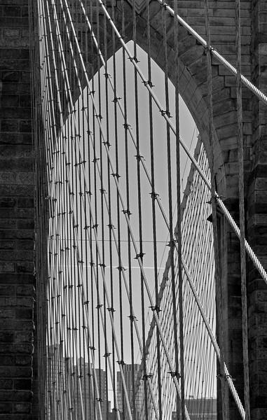 brooklyn bridge, 2010 (b+w)