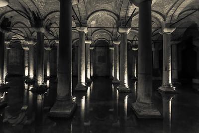 Yerebatan Sarnici (Basilica Cistern)