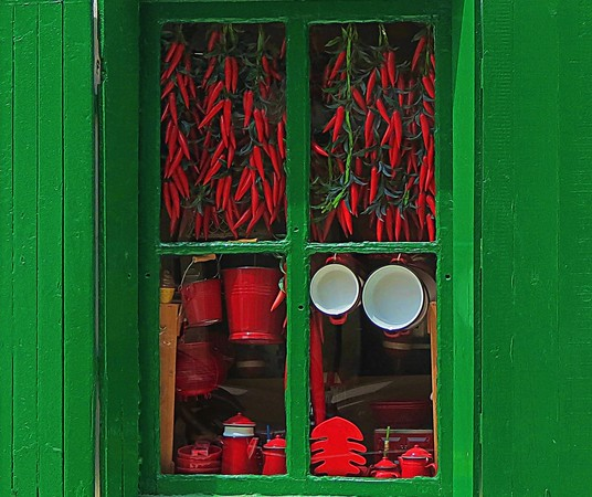 Two Cups, Many Chilis