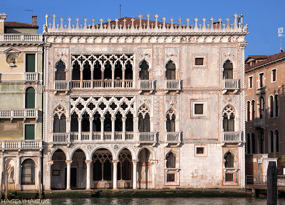 The Ca' d'Oro (Golden House) palace was build around 1430 in gothic style. Columns and ornaments were originally covered with gold.