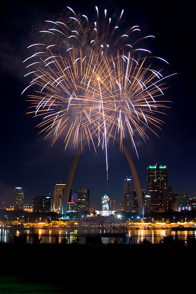 Downtown fireworks, St. Louis, MO (July 2009)
