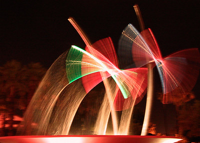 A dynamic water sculpture in Palm Springs, California