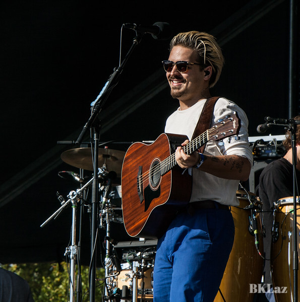 Clemens Rehbein of Milky Chance on stage at MemphoFest 2018