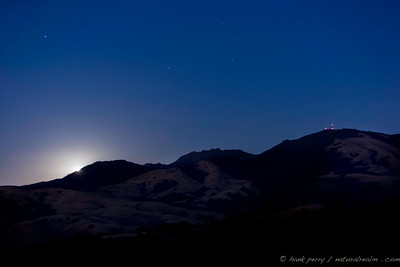 moonrise over mt diablo, close to the fall equinox.  the warm temperatures of summer are beginning to taper.