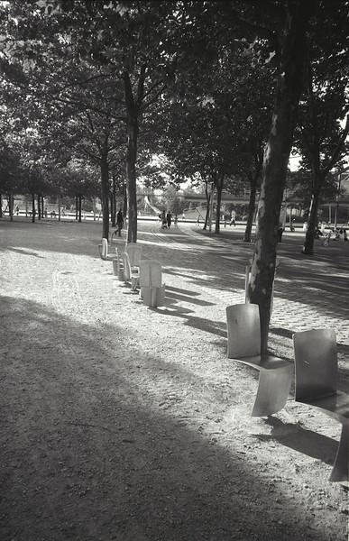 swivelling chairs, la villette park, paris, 2004