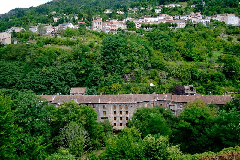 Thiers, Puy-de-Dôme : usines et ateliers de coutellerie désaffectés.