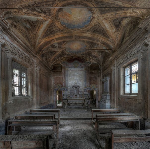 The All Seeing Eye - Private chapel of an abandoned villa