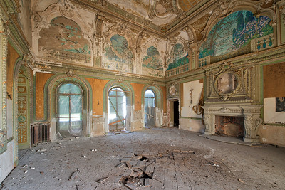 Hole - One of the most stunning abandoned villas I have visited. I truly hope they will ever be able to restore it to its former glory.