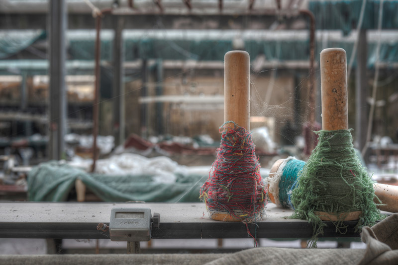 Red & Green - 50mm shot in an abandoned textile factory