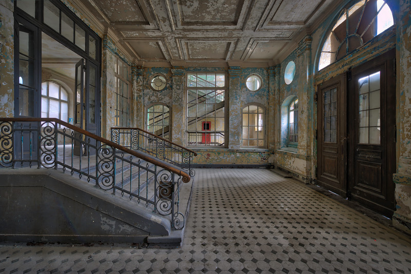 Ingress - Entrance into one of the many buildings of a former lung sanitarium