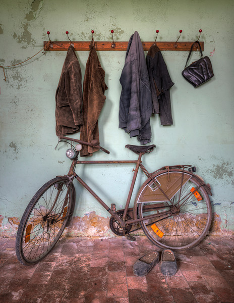 Bicycle race - Rusty bicycle in an abandoned farm
