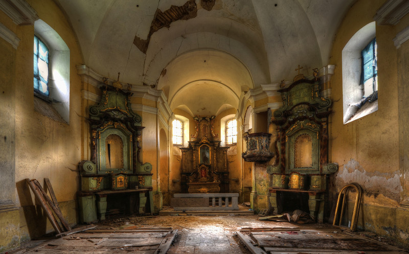 The Golden Chapel - Small abandoned church