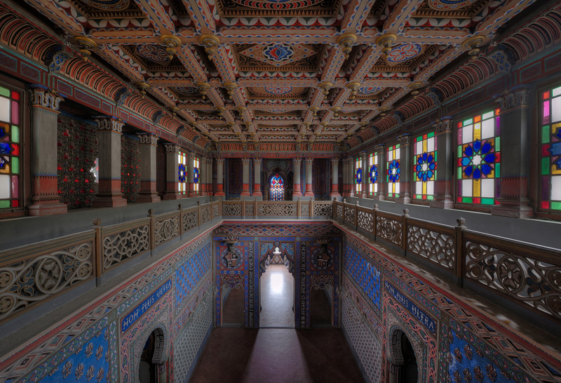 Colorbomb - And when you thought you've seen it all in this abandoned castle and it could not get crazier, you step into this room.
