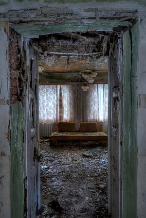 Room 237 - This former hotel room is about to collapse. Very moist and snow on the roof make it a tricky place.