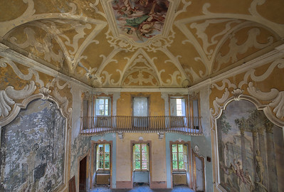 Villa Looney - This amazing decorated villa was actually part of an insane asylum.