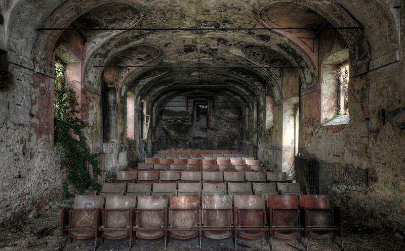 After the show - Abandoned theater inside a huge villa. Nice to see the vandals left this part alone.