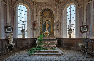Garden of God - Nature reclaiming space in an abandoned church