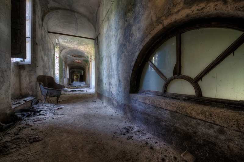 Just Before - This was the last shot I took of this crumbling villa before 2 cops scared the living crap out of me.